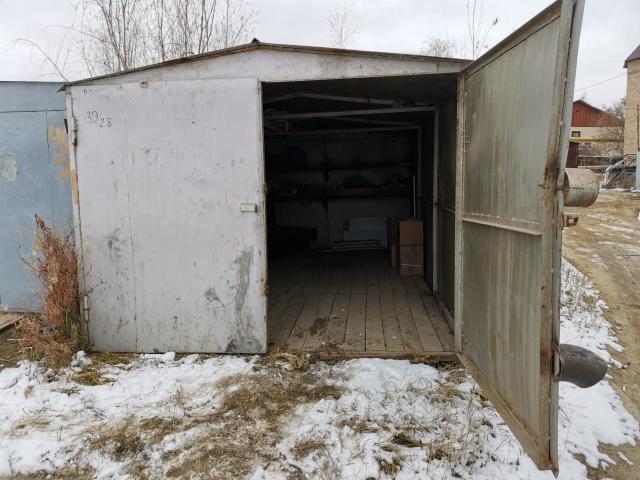 Продается холодный металлический гараж 3 х 5.5 м. Высота ворот 2м.  Разрешение на право установки имеется.