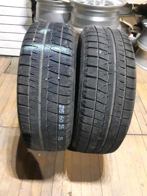 215/60/16 пара Bridgestone Blizzak Revo GZ 2013 год. Контрактная резина без пробега по РФ. Пара шин без грыж и трещин. Износ 10%.