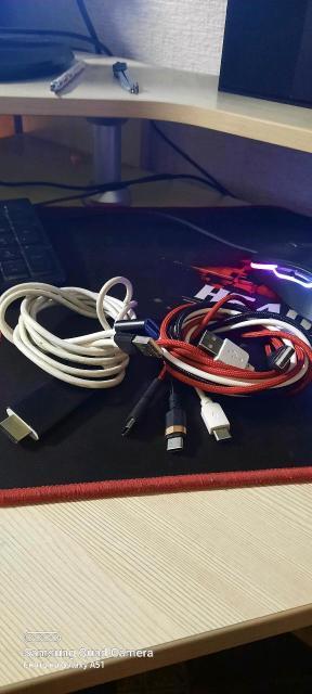 Зарядники для андроидов и ноутбуков