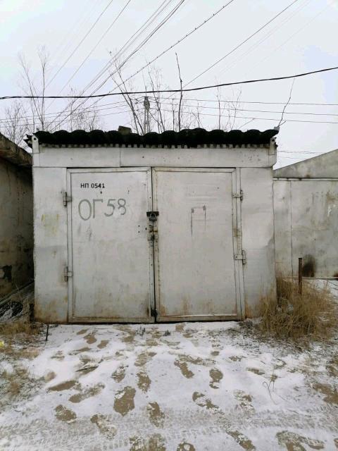 Срочно продаю ухоженный металлический гараж, район авиапорт ул. Можайского, д.21 за магазином Скиф, остановка рядом. Обр. по номеру +79618674595.