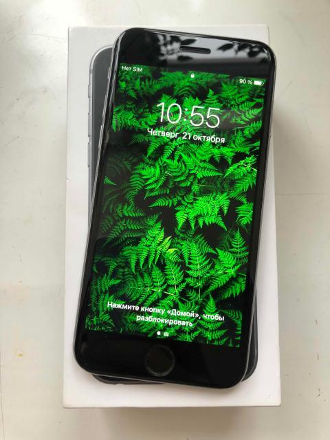 Продаю iPhone 6s 32GB в отличном состоянии, полностью рабочий  На экране стоит защитное стекло   Аккумулятор держит   Комплектация есть коробка зарядник чехол  Пишите what's app